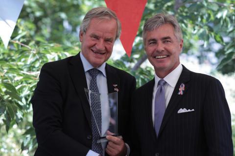 Konsernsjef i Norwegian, Bjørn Kjos,  og USAs ambassadør til Norge, Kenneth J. Braithwaite.