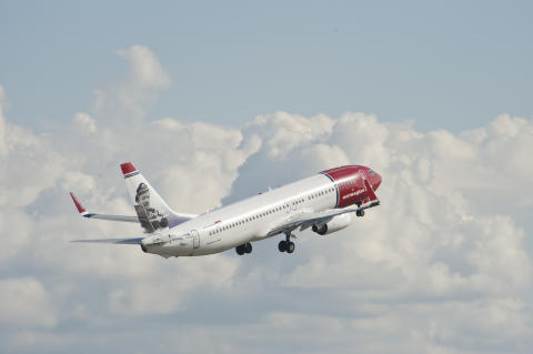 Norwegian launches new low-cost flights from London Gatwick to Iceland