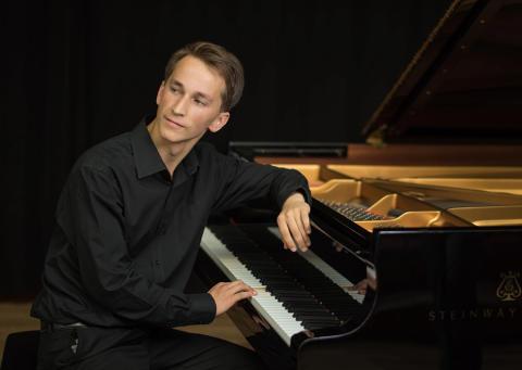 Anders Walls Girestastipendium till ung lettisk pianostjärna