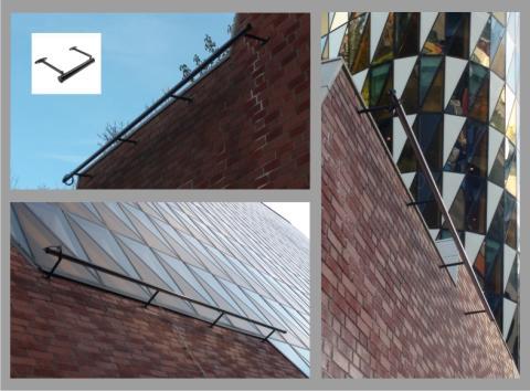 Tre ledljusramper monterade för fasadskyltar KI Karolinska institutet i Solna