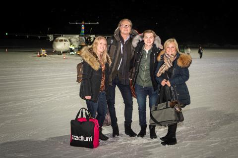 Familjen Nygård flög med första flyget till Sälen från Ängelholm/Helsingborg Airport