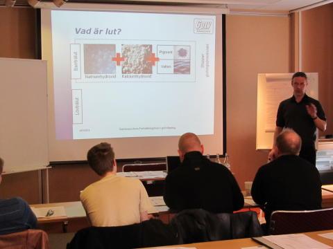 Utbildning för golvslipning och ytbehandling