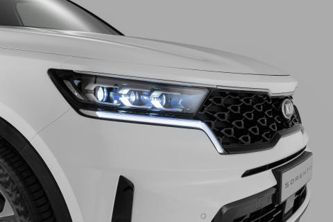 Kia Sorento_Front grille with headlights - Copy