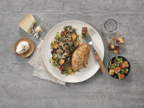 Kyllingfilet med brødsalat