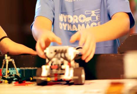 Rekordmånga deltagare till robottävlingen First Lego League