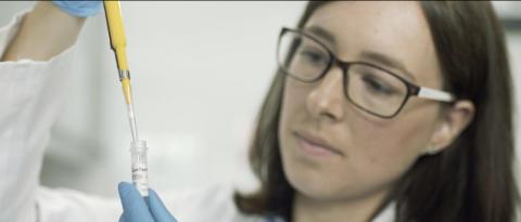 MEDICA 2016: oncgnostics präsentiert erweiterten Gebärmutterhalskrebstest GynTect