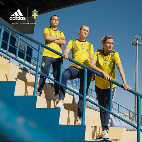 Landslagets nya matchtröja på Stadium – hyllar kvinnor som skapar historia