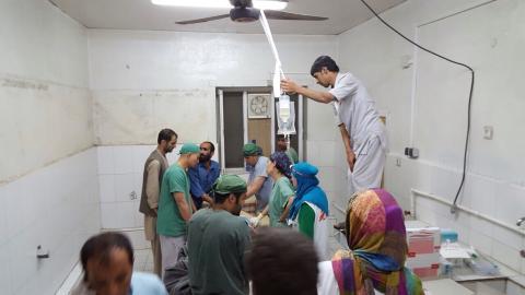 Läkare Utan Gränsers team ger akutvård efter bombningen av traumasjukhuset i Kunduz, Afghanistan