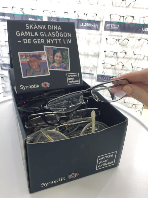 Glasögoninsamling i nya butiken i Åkersberga