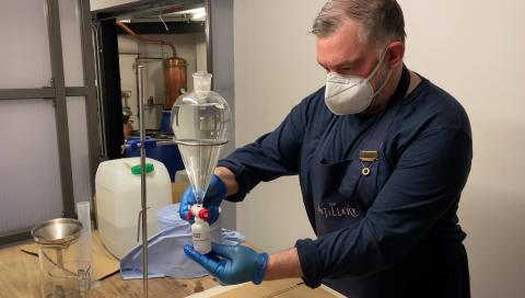Gin distilleries providing hand sanitisers for Met officers
