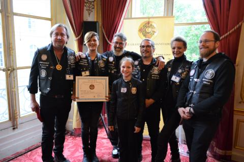 GPHF 2019 und die Gründungsmitglieder der Barber Angels mit Urkunde und Goldmedaille am Band