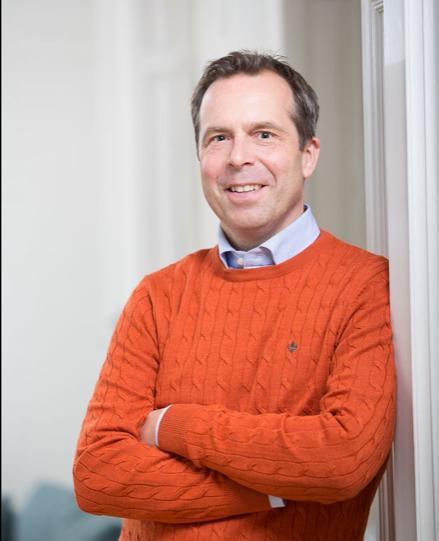 Mikael Pettersson Sjölund, Riksbyggen