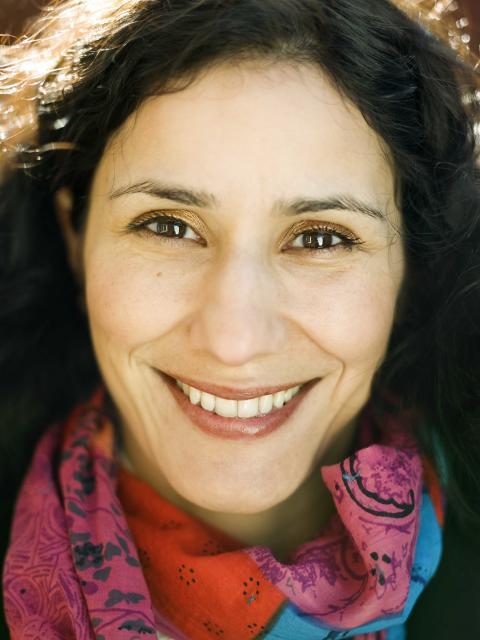 Sanna Sjöswärd prisbelönt bildjournalist, utställare Sturehofs höstsalong
