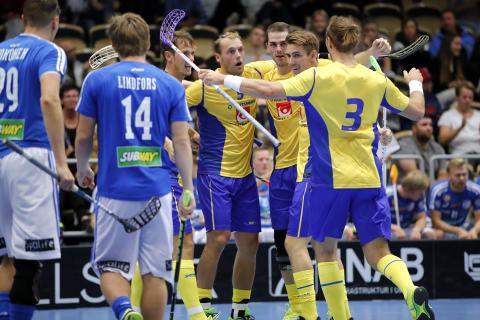 Sveriges herrlandslag vann mot Finland efter straffar.