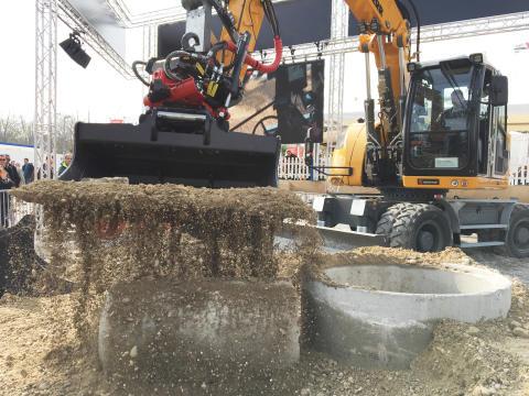 Sorting bucket from Rototilt