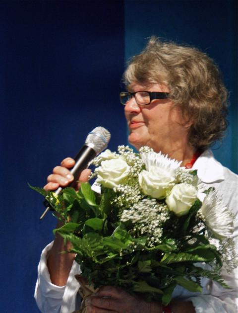 Till Årets Fredrika 2011 valdes Gunnel Stenqvist, ordförande i Årstasällskapet för Fredrika Bremer-studier!