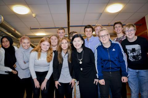 Samarbete med gymnasieleever för lysande familjeturer