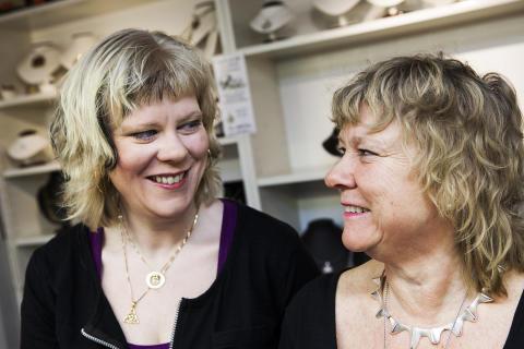 Camilla Wensborg och Monica Andersson i Silverboden.