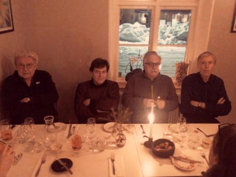 Contact - Originalmedlemmarna vid bordet