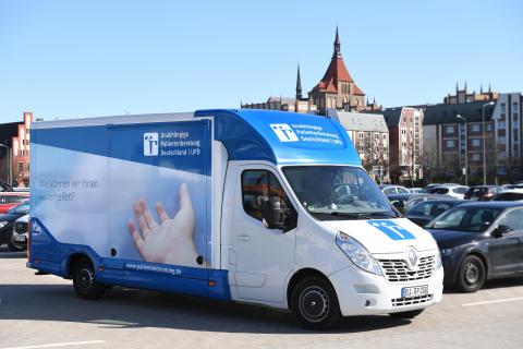 Beratungsmobil der Unabhängigen Patientenberatung kommt am 02. Mai nach Lübeck.
