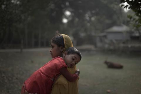 Rabeya, 16 år med dottern Kushum, 3 år från Bangladesh