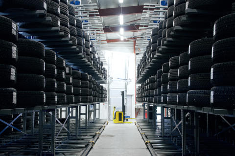 Lancering af ny dækreol gør SSI SCHÄFER til totalleverandør
