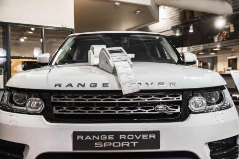 Sports Car Center Espoo on erikoistunut Jaguar- ja Ranger Rover -merkkisiin autoihin