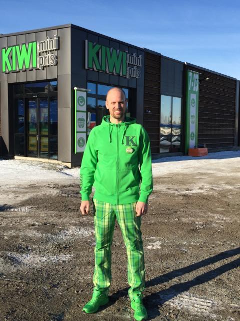 Eivind Michalsen gleder seg til å ønske kundene velkommen til KIWI Lørenfallet!