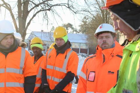 Skandinaviska Byggelements produktionspersonal gör besök i verkligheten