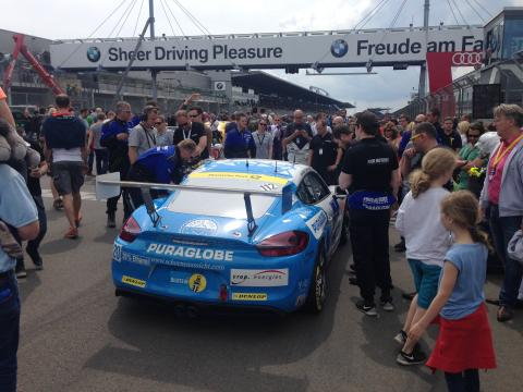 """Puraglobe först i världen med """"Syntainics"""" - valet föll på Porsche för fälttest på Nurnbergring."""