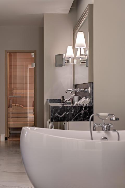 Schloss Weissenhaus badrum och badkar med AXOR Montreux
