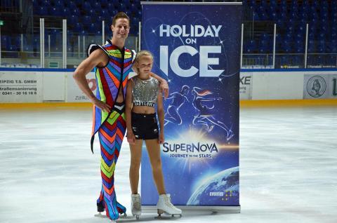 """Wesley Campbell und Antonia Weber präsentieren die neue Show """"Supernova"""""""