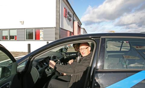 Björn Nilsson på Höganäs Energi konstaterar att företaget nu sparar upp till 20 procent drivmedel genom att ändra körsätt.