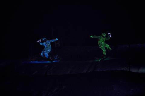BUCK_LED_Snowboarders06