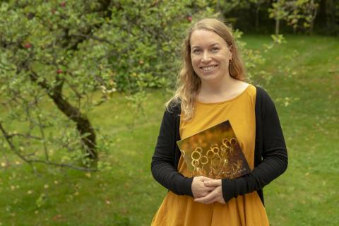 Vuoden kuvakirja 2018 -kilpailun voittaja Henna-Kaisa Sivonen