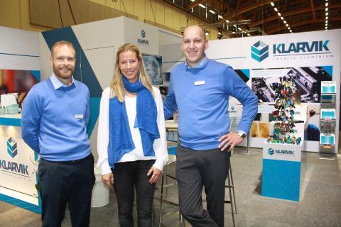 På Elmia Subcontractor presenterar Klarvik sin nya satsning på 3D-ritning. Här representerade av Fredrik Karlsson, produktionschef, Malin Karlsson, ekonomi, och Jerker Blomqvist, vd.