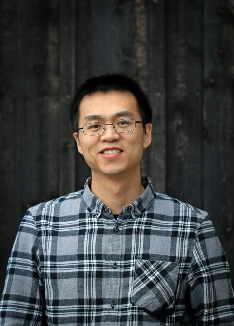 KTH-forskaren och doktoranden Feng Chen. Foto: Peter Larsson.