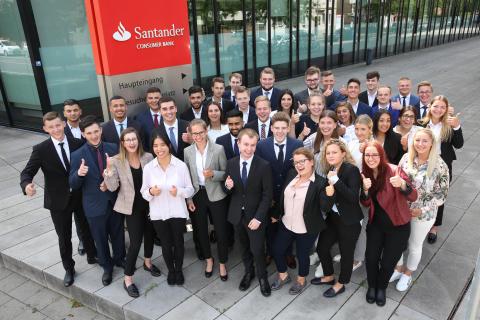 Vom Pausenhof in die Welt der Banken: Santander begrüßt neue Azubis
