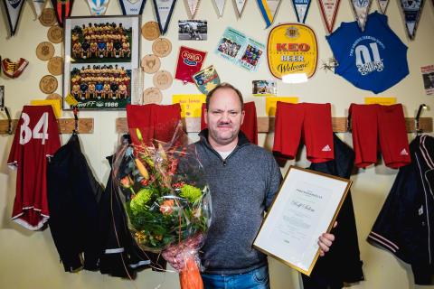 Glenn Hyséns gripande möte med vinnaren av Årets föreningshjälte 2015
