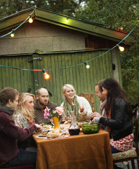 Lys upp sommarfesten med säker belysning