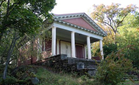 Pressinbjudan: Templet i Sommarro byggs upp igen