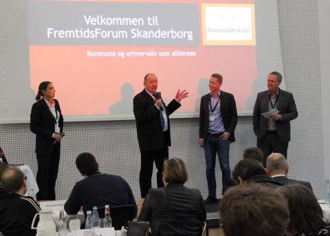 Vicedirektør Ejnar Olsen holder oplæg for netværket FremtidsForum Skanderborg