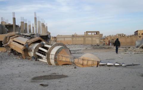Syrien: Regeringens skoningslösa attacker på al-Raqqa har lett till många civila dödsfall