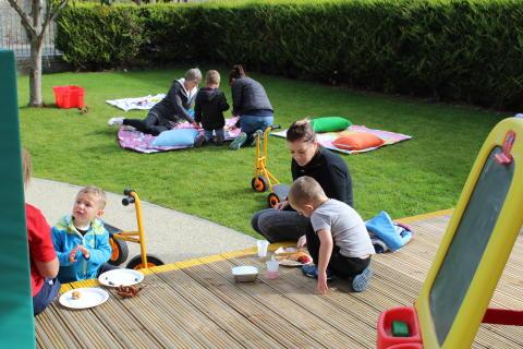 Lady Cathcart Nursery hosts community picnic