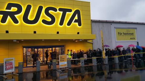 Rusta öppnar i Åkersberga