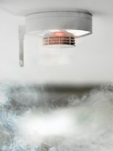 Røykvarslerens dag 1. desember: Èn av fem sjekker ikke røykvarsleren