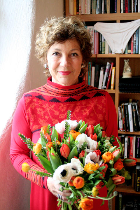 Amelia Adamo är Månadens gäst på Interflora.se