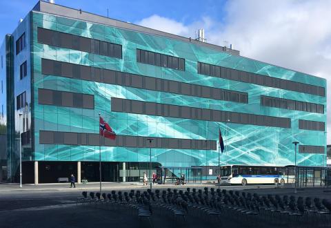 UNN PET senteret i Tromsø, tegnet av LINK arkitektur,  åpnes i dag av Statsminister Erna Solberg  sammen med Trond Mohn som har gitt 50 millioner til utstyr i bygget.