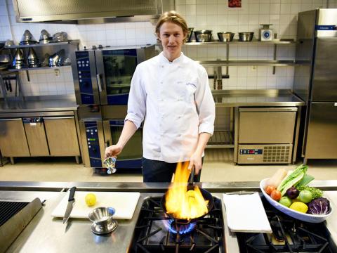 Tingvalla-elev till final i nationell kocktävling