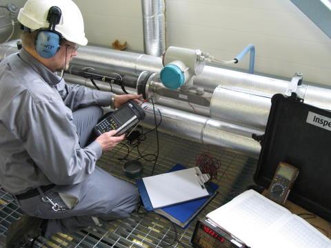 Kokonaiskuvia ja kumppanuutta - Fortumin virtausmittarien ja lämpöenergialaskurien kalibroinnit